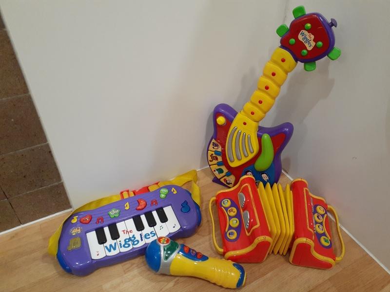 T631: Wiggles Music Set