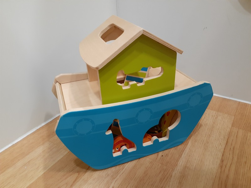 T4239: Animal Ship