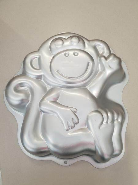 PC017: Monkey Cake Tin