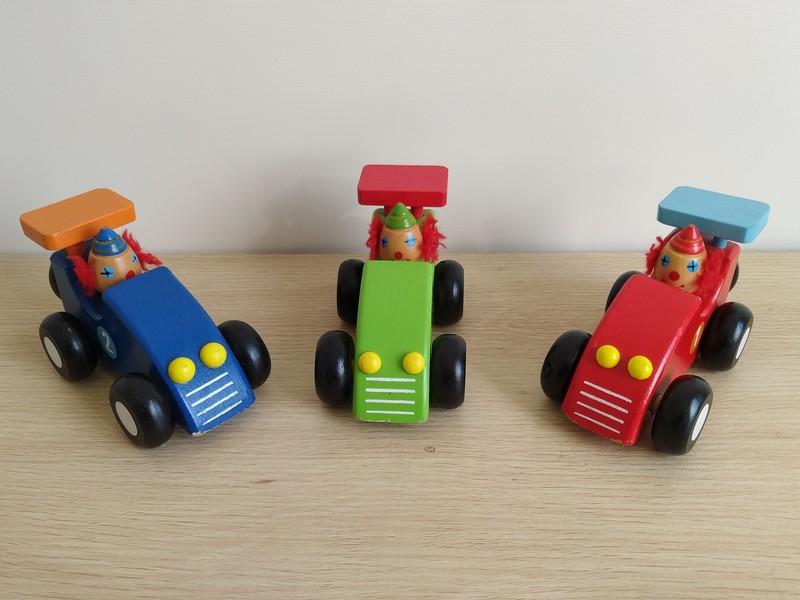 T5468: Clown Racers
