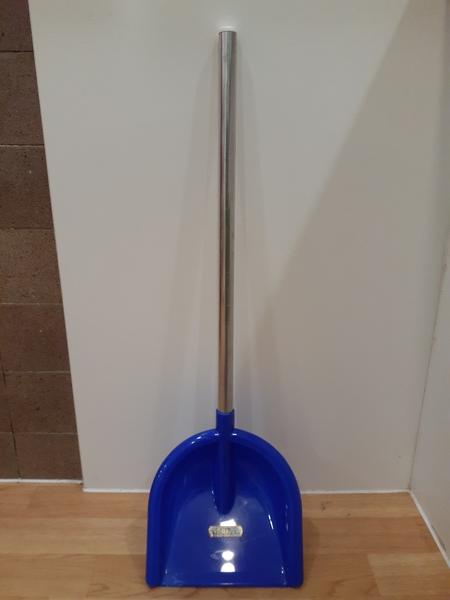 T5640: Blue Garden Shovel 1