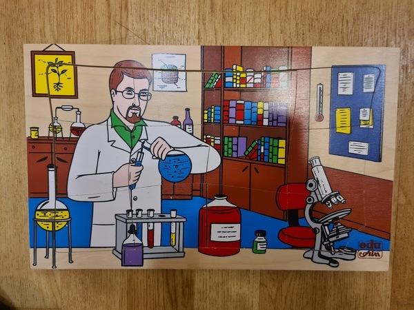 K8297: Professions Puzzles - Scientist