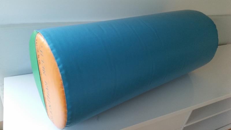 GM53: Glentham Giant Foam Cylinder