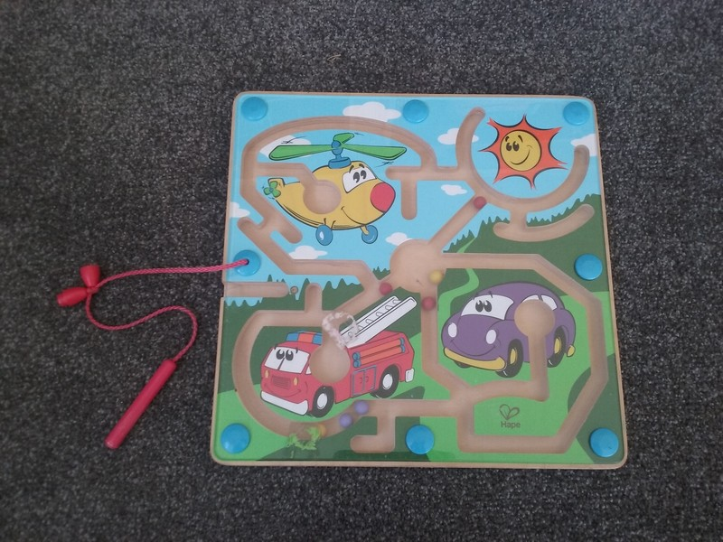 G040: Hape Magnetic trace the ball game