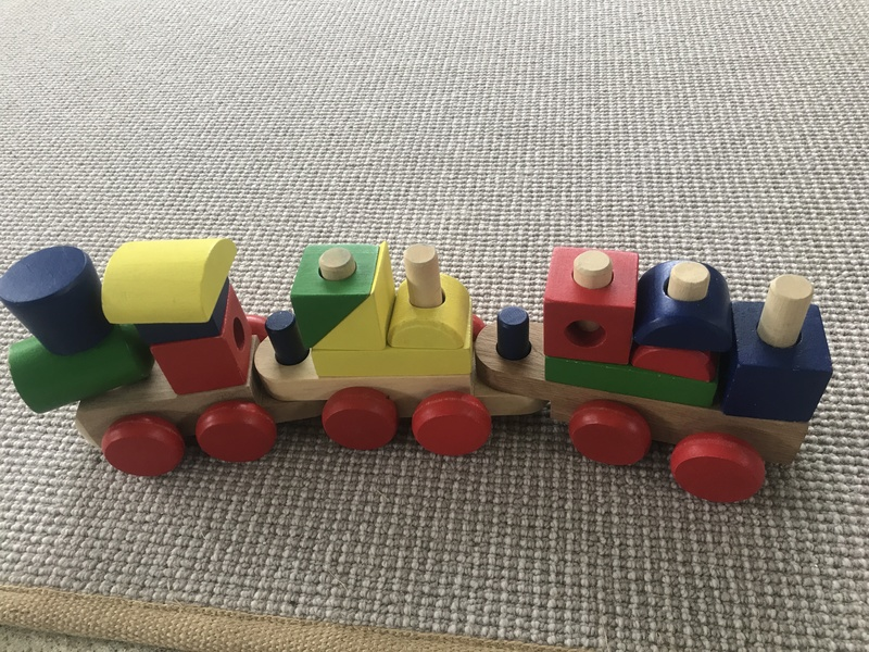 I008: Wooden train with blocks