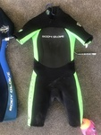H004: Size 10 green body glove wetsuit