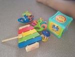I009: Infant play set