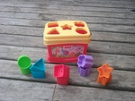 G076: Shapes in a box toy