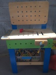 C006: Hape building work bench
