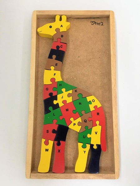 J9412: Giraffe Alphabet Puzzle