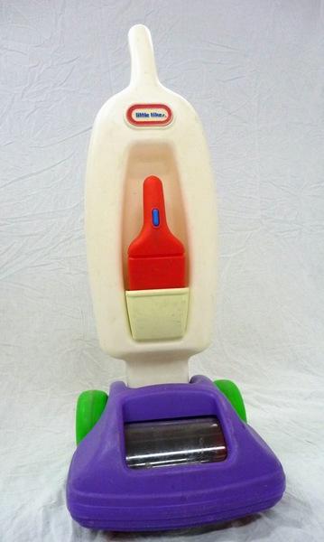 E43131: Little Tikes Vacuum