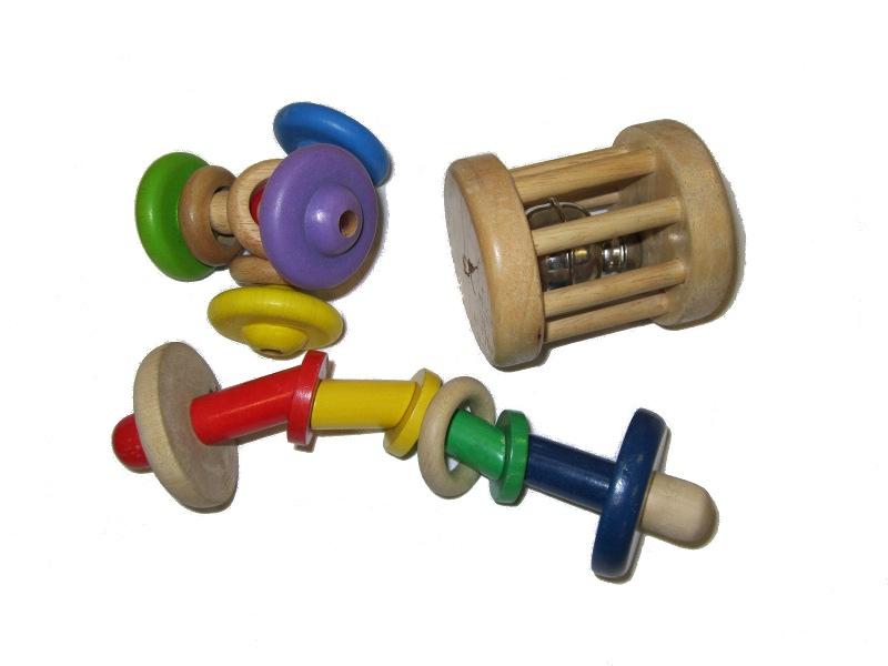 B1526: 3 Wooden Rattles