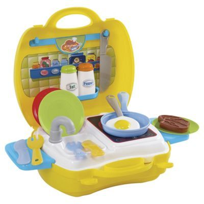 E4385: My carry along kitchen