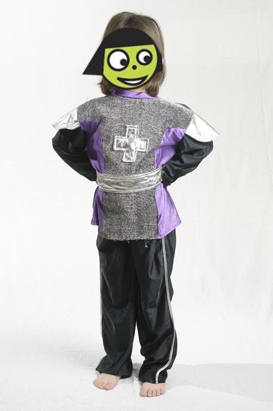 E4121: Knight Dress Up