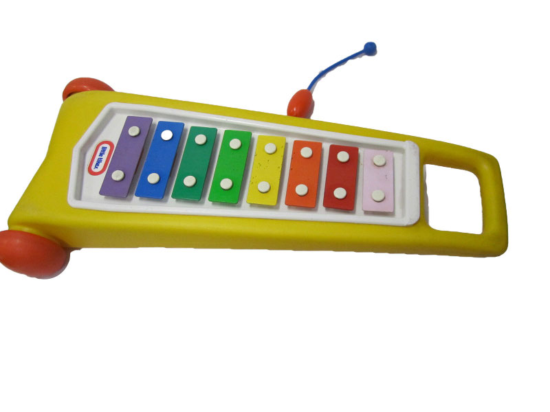 F608: Little Tikes Pull-Along Xylophone