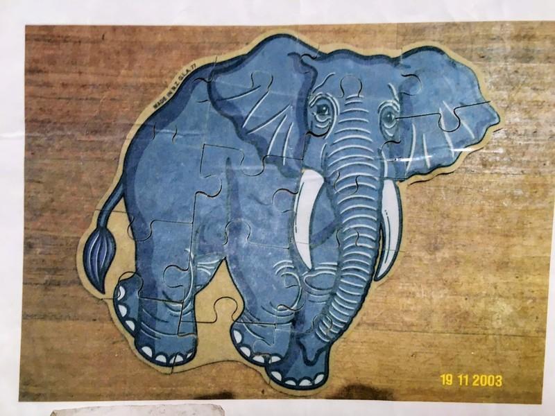 J882: Elephant - wooden jigsaw