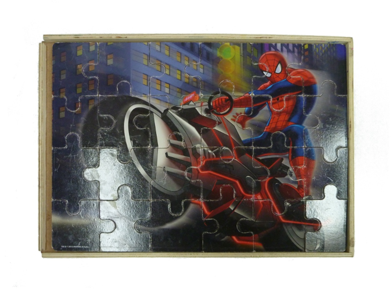 J902: 3 in 1 Box Spider Man puzzles
