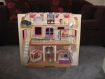 K086: FISHER PRICE DOLL'S HOUSE