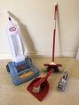 K147: BROOM AND DUSTPAN SET AND VACUUM CLEANER