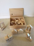 K150: WOODEN BUILDING BLOCKS