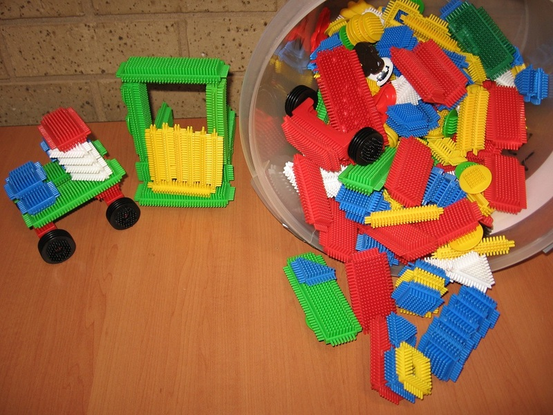 P047: STICKLE BRICKS