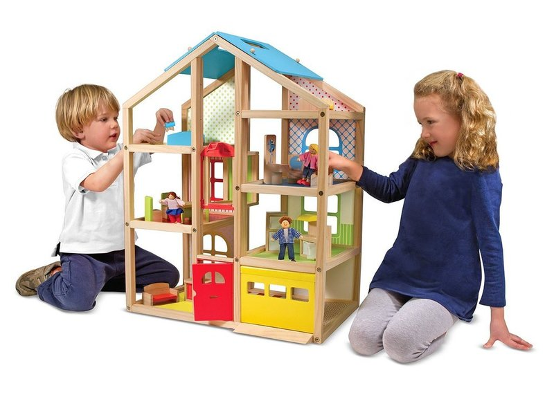 P198: WOODEN DOLL HOUSE