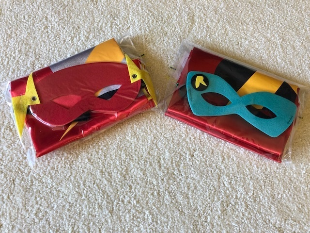 P224: ROBIN AND FLASH CAPE AND MASK SET