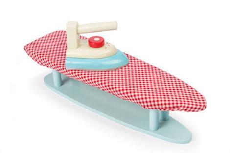 309: Ironing board + iron