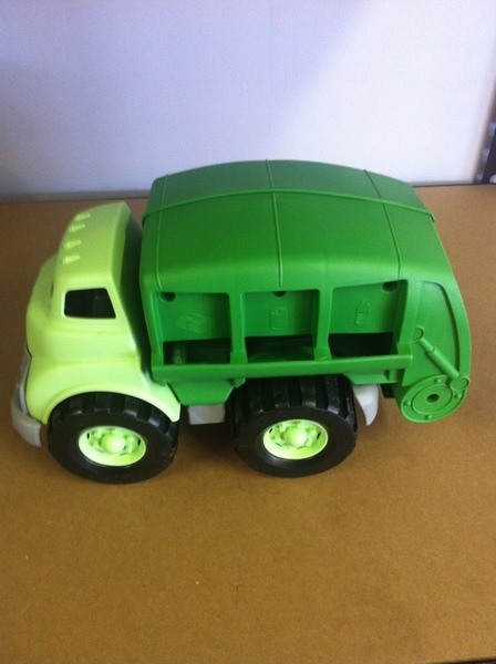 A010: Recycling Truck