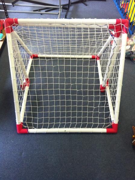 C020: Mini Soccer goals