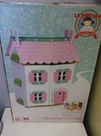 A098: Sweet Heart Cottage Dolls House