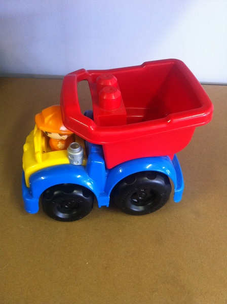A107: mega blocks dump truck