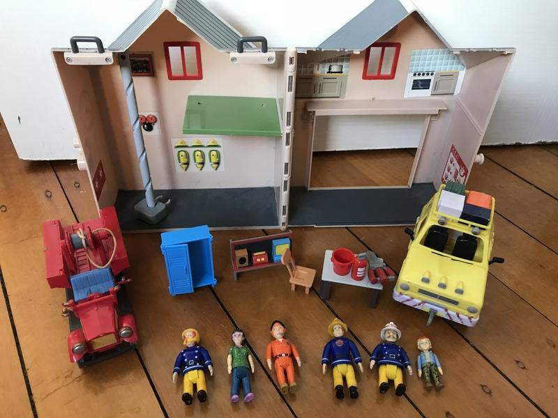 62189: Fireman Sam Fire Station plus bag