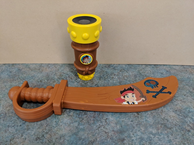 62061: Jake the Pirate Sword and Telescope